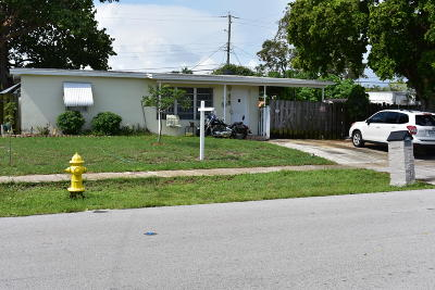 Pompano Beach Single Family Home For Sale: 1310 NE 42nd Court