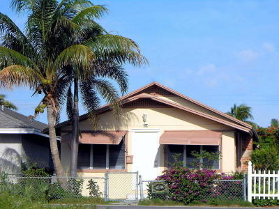 Lake Worth Single Family Home For Sale: 211 S E Street