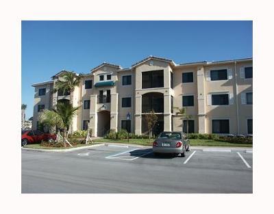 Palm Beach Gardens Condo Contingent: 2725 Anzio Court #204