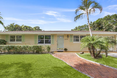 Palm Beach Gardens Single Family Home For Sale: 2374 Holly Lane
