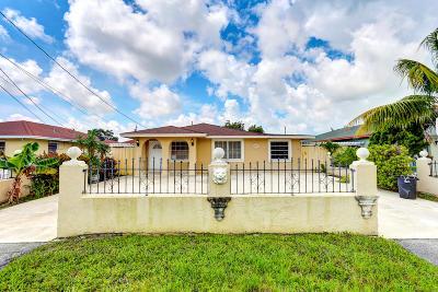 West Palm Beach Single Family Home For Sale: 2588 Oklahoma Street