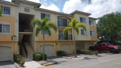 Royal Palm Beach Condo For Sale: 1400 Crestwood Court S #1410