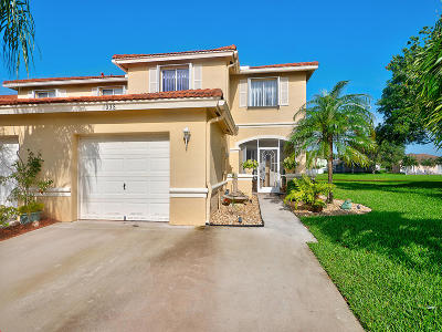 Boynton Beach Townhouse For Sale: 1038 Arezzo Circle