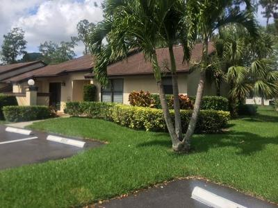 Royal Palm Beach Single Family Home Contingent: 174 Sarita Court