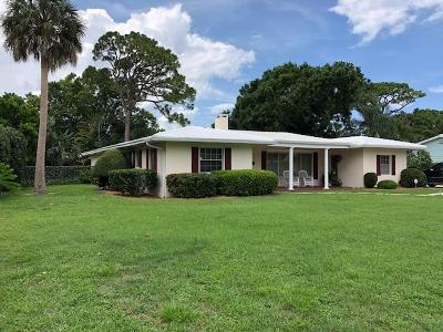 Vero Beach Single Family Home For Sale: 2255 Buena Vista Boulevard