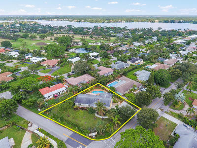 Tequesta Single Family Home For Sale: 309 Country Club Drive