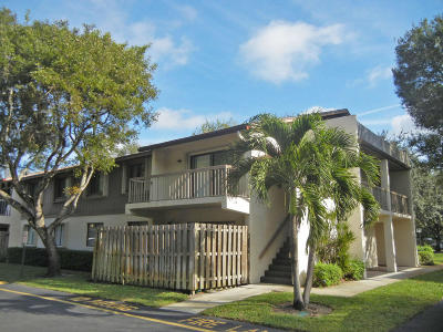 Palm Beach Gardens Condo For Sale: 3402 Gardens East Drive #19b