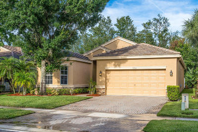 Lake Worth Single Family Home For Sale: 5792 Saddle Trail Lane