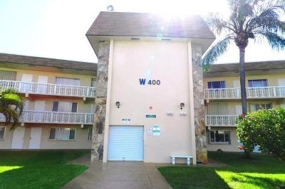 Palm Springs Condo For Sale: 400 Village Green Circle #211