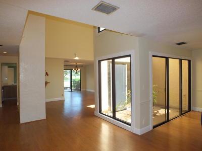 Boca Raton Townhouse For Sale: 6565 Parkview Drive #C