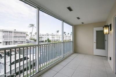 North Palm Beach Condo For Sale: 109 Wettaw Lane #206