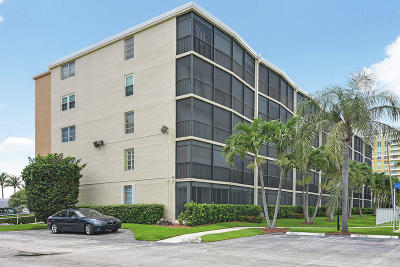 Boynton Beach Condo For Sale: 720 E Ocean Avenue #107