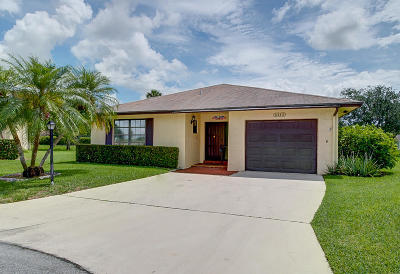 Greenacres Single Family Home Contingent: 6243 Red Cedar Circle