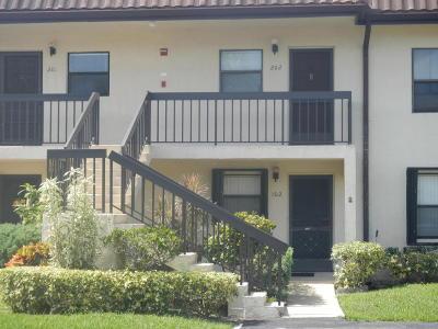 Lake Worth Condo For Sale: 7094 Golf Colony Court #102
