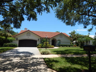 Delray Beach Single Family Home For Sale: 2225 Rabbit Hollowe Circle