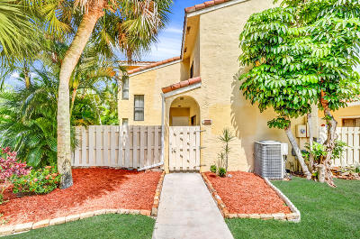 Boca Raton Townhouse For Sale: 22276 Pineapple Walk Drive