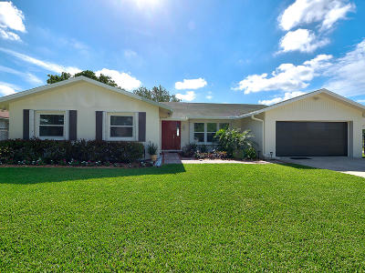 West Palm Beach Single Family Home For Sale: 826 W Patrick Circle