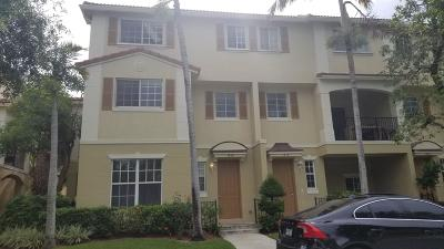 Delray Beach Townhouse For Sale: 1414 E Wickham Circle