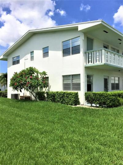 West Palm Beach Condo For Sale: 73 Easthampton D