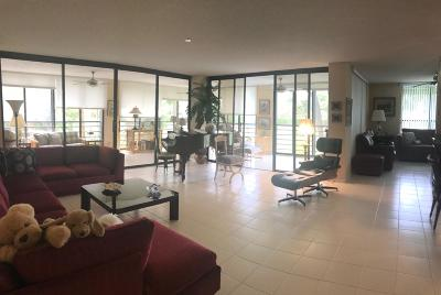 Boca Raton Condo For Sale: 7578 Regency Lake Drive #201