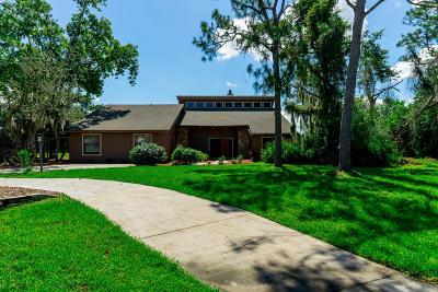Palm City Single Family Home Contingent: 1047 SW Woodcreek Drive