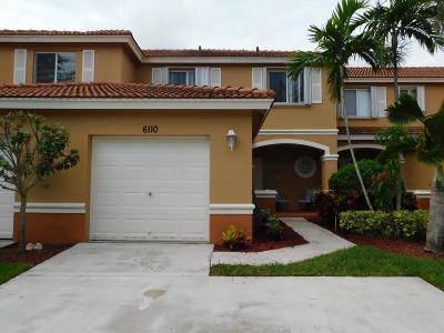 West Palm Beach Townhouse For Sale: 6110 Sugar Loaf Lane