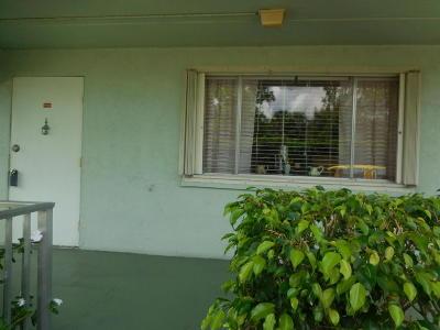 Palm Springs Condo For Sale: 3300 Springdale Boulevard #102