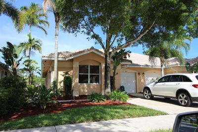Delray Beach Single Family Home For Sale: 249 W Coral Trace Circle