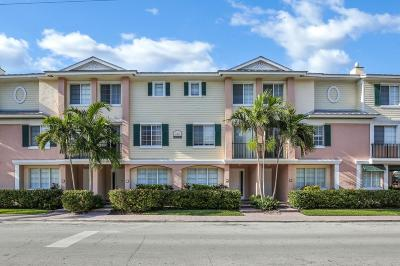 Delray Beach Townhouse Contingent: 240 NE 2nd Street #E