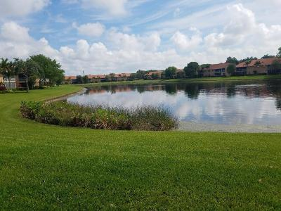 Boynton Beach Condo For Sale: 9721 Shadybrook Drive #102
