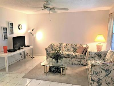 Boynton Beach Condo For Sale: 624 Snug Harbor Drive #B2