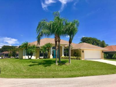 Fort Pierce Single Family Home For Sale: 117 Queen Elizabeth Court