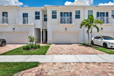 Royal Palm Beach Townhouse For Sale: 11913 Park Central