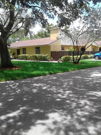 Boca Raton FL Townhouse For Sale: $269,900