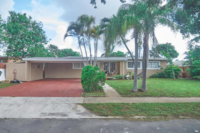 Lake Worth Single Family Home For Sale: 1820 Hillcrest Avenue