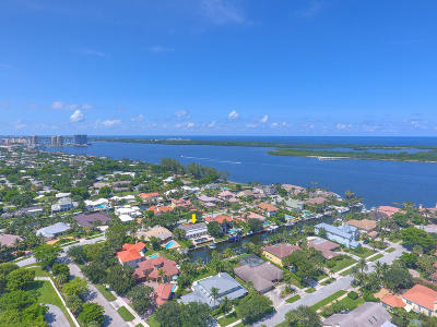 North Palm Beach Single Family Home For Sale: 136 Ebbtide Drive