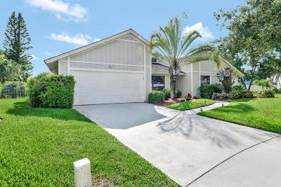 Tequesta Single Family Home For Sale: 22 Oak Ridge Lane