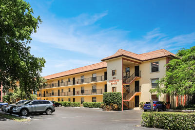 North Palm Beach Condo For Sale: 327 Southwind Drive #103