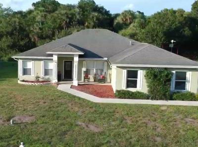 Okeechobee Single Family Home For Sale: 9165 SE 66th Drive Drive