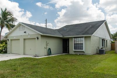 Lake Worth Single Family Home For Sale: 7916 Aztec Court
