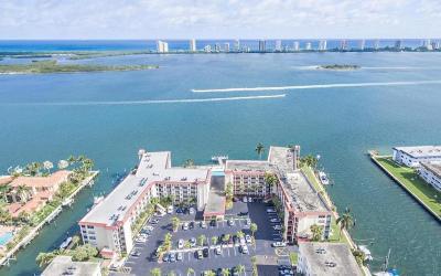 North Palm Beach Condo For Sale: 105 Paradise Harbour Boulevard #412