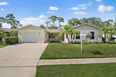 Jupiter Single Family Home For Sale: 600 Oak Terrace