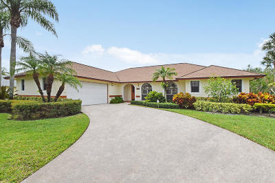 Hobe Sound Single Family Home For Sale: 8000 SE Pilots Cove Terrace