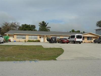 Fort Pierce Multi Family Home For Sale: 1360 Carlton Court