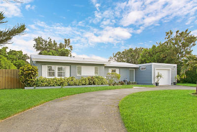 North Palm Beach Single Family Home For Sale: 845 Dogwood Road