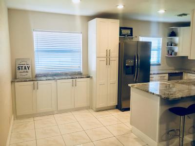 Delray Beach Condo For Sale: 116 Waterford Way
