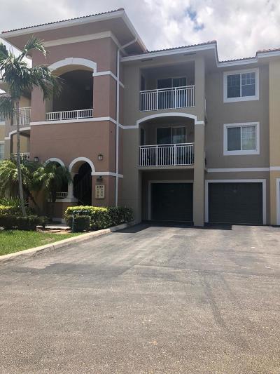 West Palm Beach Condo For Sale: 6559 Emerald Dunes Drive #308
