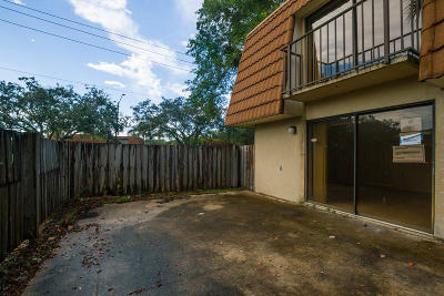West Palm Beach Townhouse For Sale: 188 Charter Way