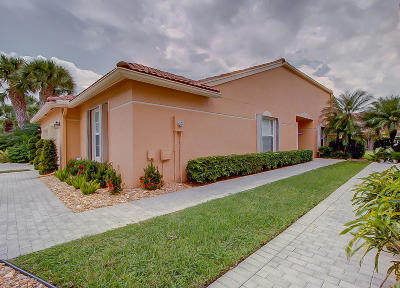Boynton Beach Single Family Home For Sale: 8623 Logia Circle