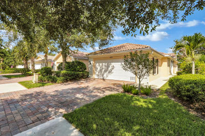 Hobe Sound Single Family Home For Sale: 8570 SE Retreat Drive